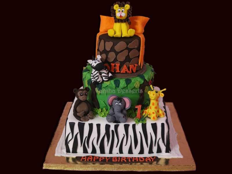 JUNGLE FUN FONDANT CAKE