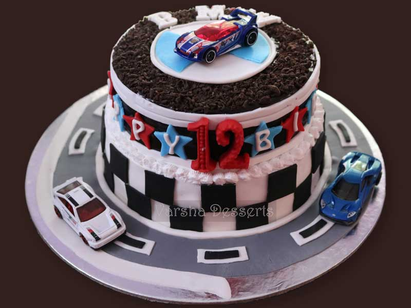 RACING CARS THEME CAKE