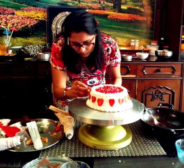 Cake Making Classes In Kolkata : VARSHA AT WORK Varsha-Desserts-n-Cakes-Classes